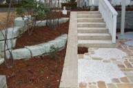 自転車スロープ 洗い出し階段 木柵手摺 アプローチ・階段