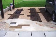 枕木化粧砂利敷き駐車場 カーポート・駐車場