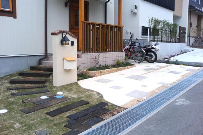 カラーモルタルテラコッタタイル飾り駐車場 カーポート・駐車場