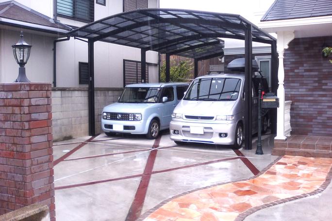 レンガボーダーコンクリート土間駐車場 カーポート・駐車場