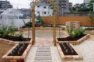 レンガ花壇 バラアーチ ガーデニング