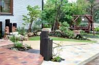 枕木門柱と植栽 ガーデニング