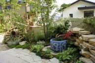 玄関前植栽スペース ガーデニング