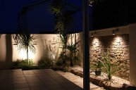 アートストーン壁の南国風テラス テラス