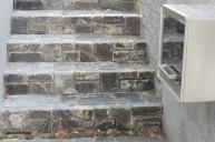 黒・グレー系アンティークレンガの階段 アプローチ・階段