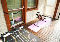 ガーデンルームの中に夢のトレーニングスペースを テラス