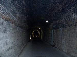 トンネルの中2